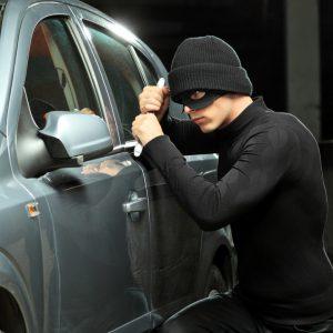Машины россиян угоняют в Казахстан: вернуть украденное невозможно