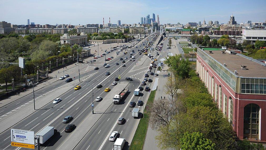 Пробки в Москве - учитывайте дачный сезон