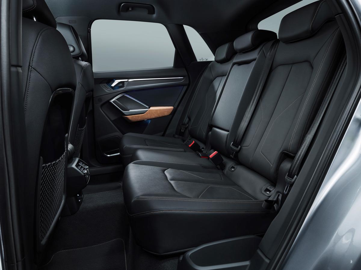 Audi Q3 2018 задние сиденья