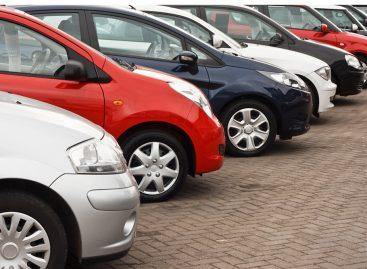 Автомобилем владеет каждый третий совершеннолетний россиянин