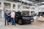 Торжественное вручение первого Volkswagen Touareg нового поколения российскому клиенту