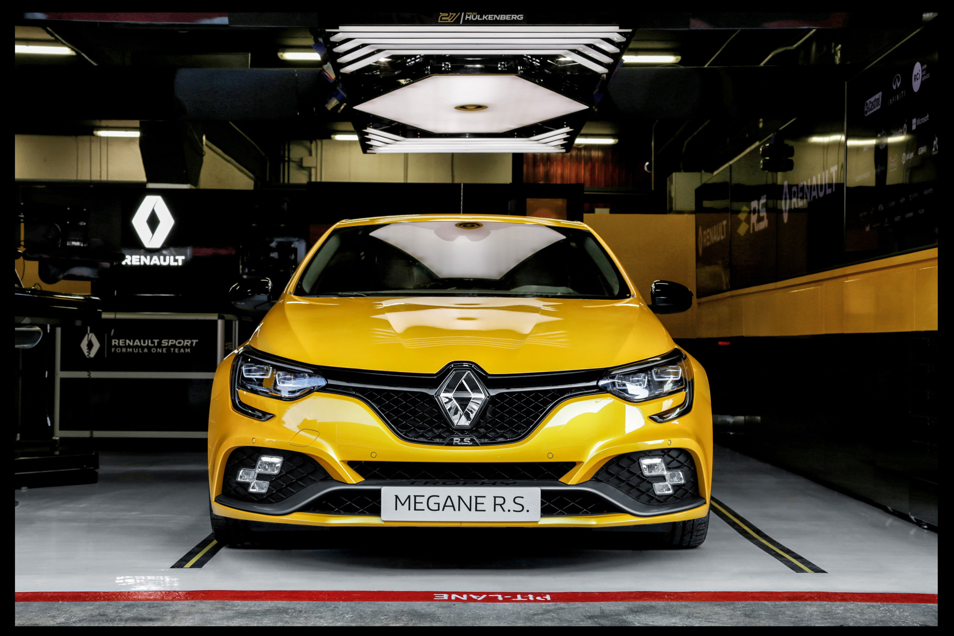 Новый Renault MÉGANE R.S. TROPHY новые технологии и более спортивный характер