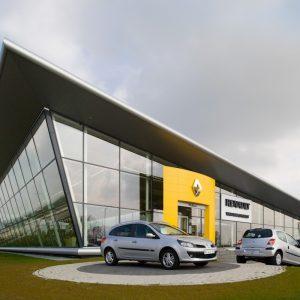 Продажи обновленных Renault Logan и Sandero стартовали в дилерской сети