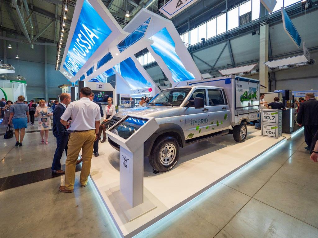 УАЗ представил прототип российского грузовика с гибридной силовой установкой
