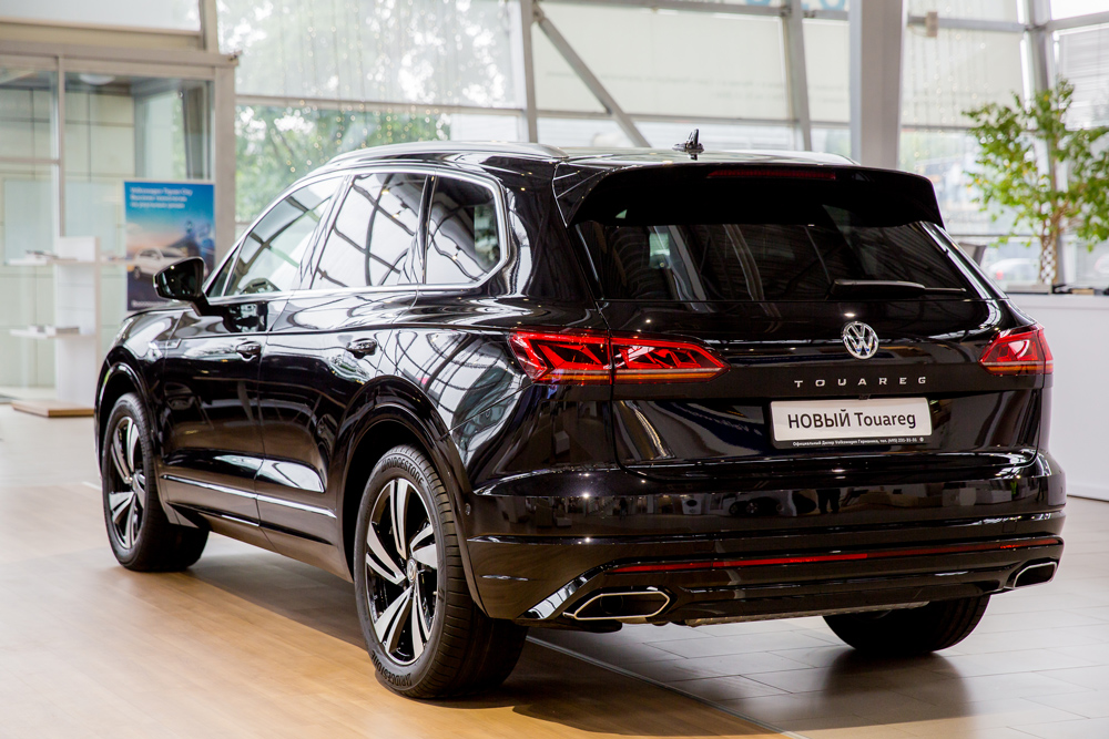 Новый Volkswagen Touareg передан первому российскому клиенту