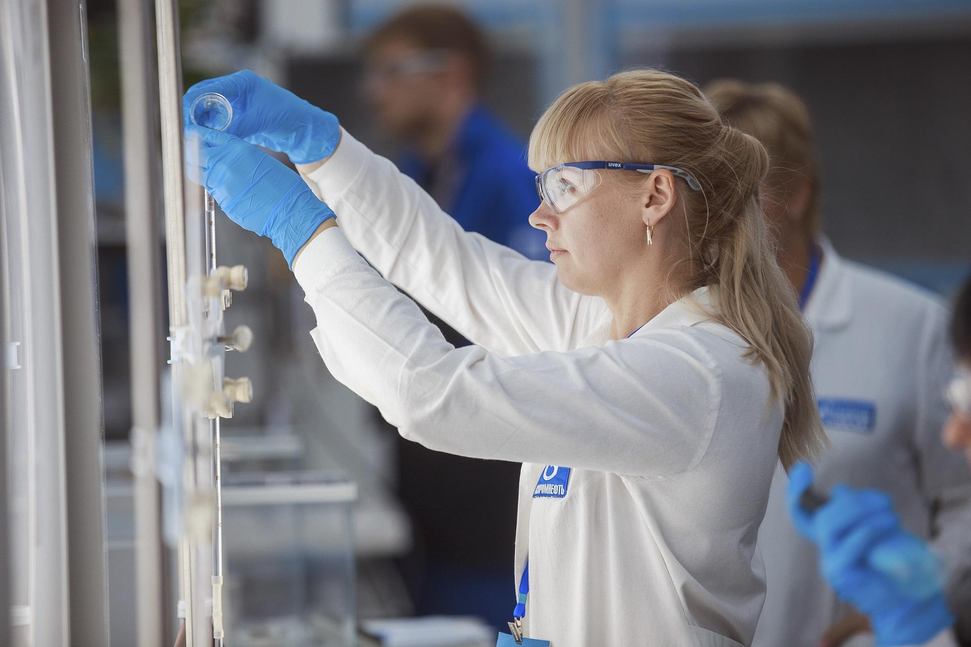 Газпромнефть-смазочные материалы моторные масла G-Energy
