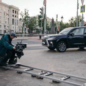 """Флагманский внедорожник Lexus LX и новый флагманский седан Lexus LS стали персонажами фильма """"Ампир V"""" по роману Виктора Пелевина"""