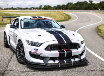 520-сильный Mustang помогает водителям-испытателям Ford настраивать массовые модели