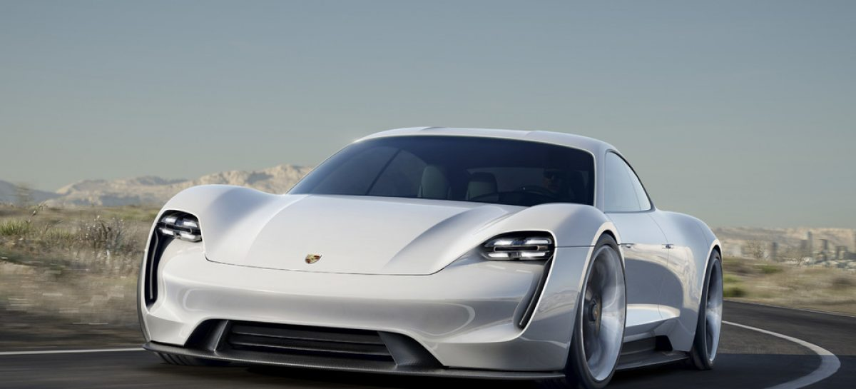 Porsche представила концепт-кар Mission E и новинку Porsche Cayenne E-Hybrid
