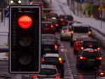 Даешь пробки: многие улицы в российских городах станут пешеходными