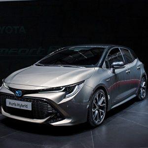 Toyota отказывается от имени Auris на мировых рынках