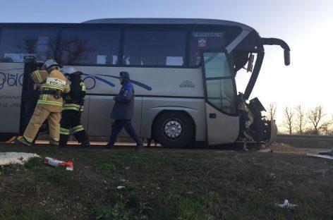 Международная трагедия: автобус протаранил грузовик