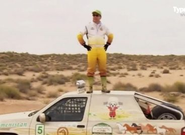Президент Туркменистана готовится к участию в ралли на автомобиле, который построен по его же чертежам (Видео!)