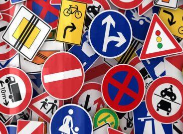 Росстандарт торопят закрепить уменьшенные дорожные знаки в национальном ГОСТе
