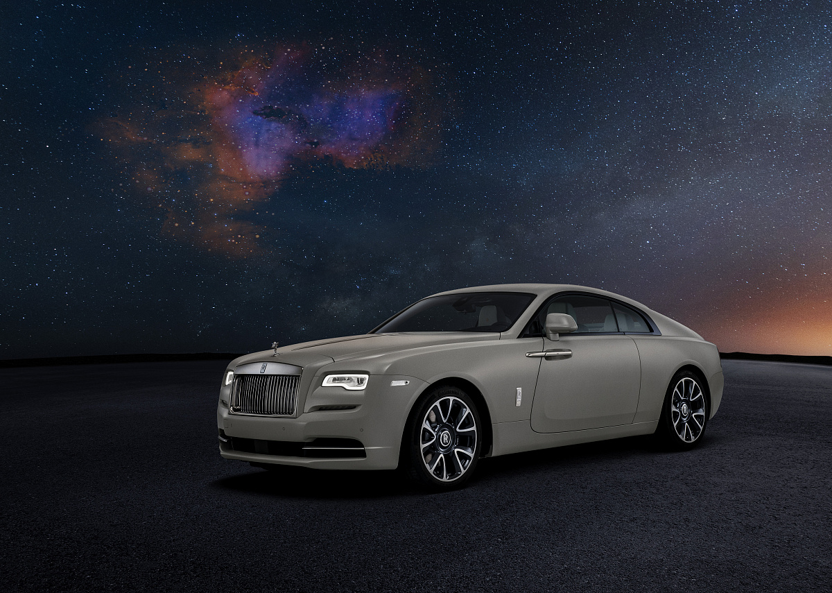 rolls royce black badge nebula