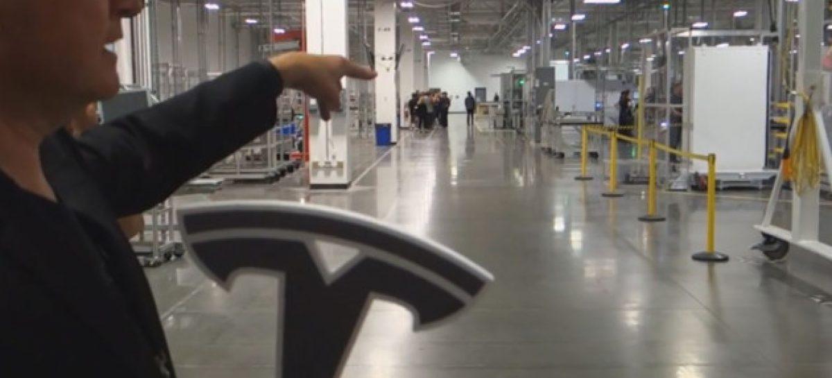 Аналитики UBS: Tesla Model 3 убыточна