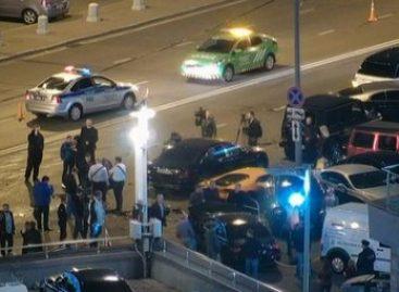 ДТП с участием элитных автомобилей произошло на Новом Арбате