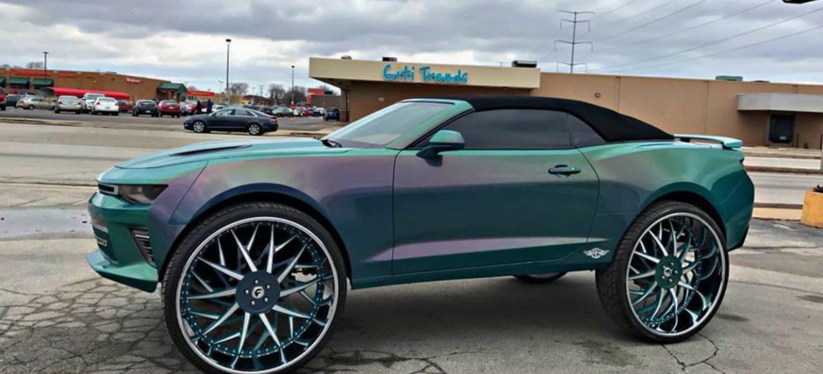 Chevrolet Camaro получил 32-дюймовые колеса и ТВ с Xbox One