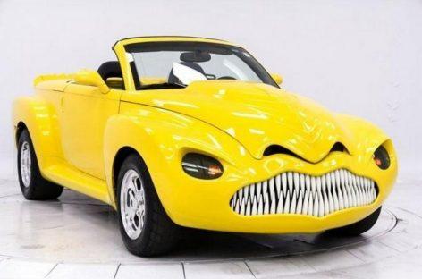 Chevrolet SSR – автодинозавр в стиле Стивена Кинга