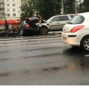 В ДТП на Кутузовском проспекте столкнулись четыре авто