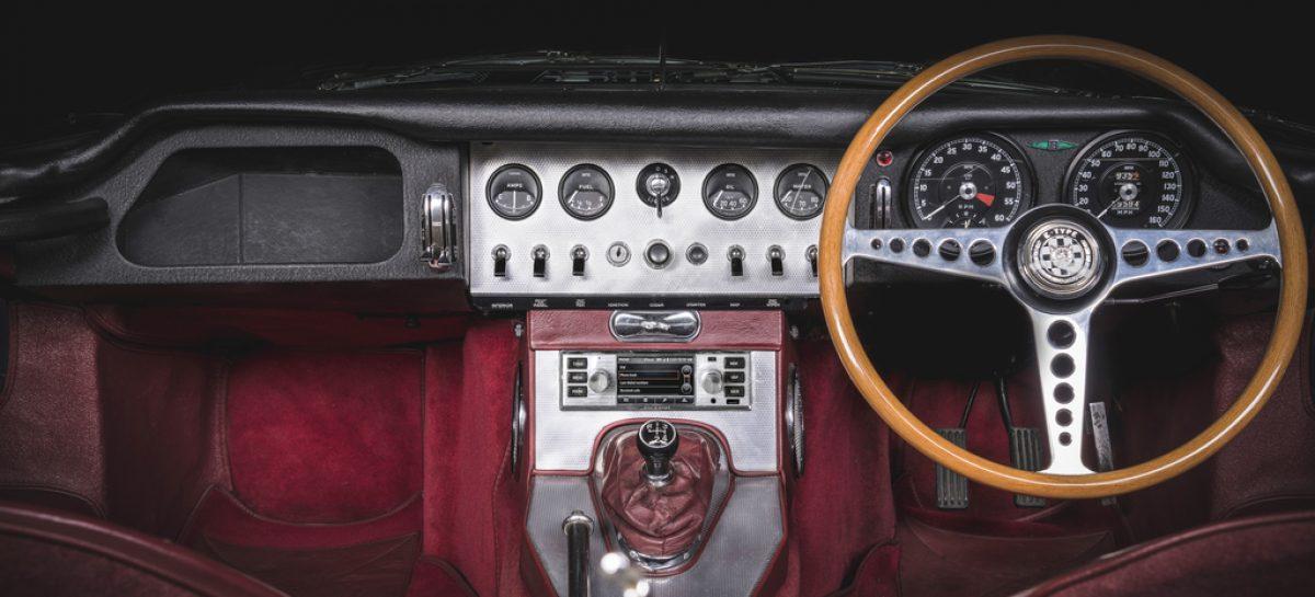 Jaguar Land Rover Classic представляет мультимедийную систему  для классических автомобилей