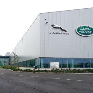 Более 700 автомобилей Jaguar и Land Rover в России были проданы онлайн