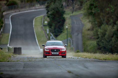 Jaguar XE установил рекорд скорости на бывшей гоночной трассе Формулы-1