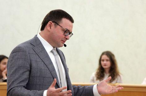 Единая Россия не исключила спикера парламента Тюмени после смертельного ДТП