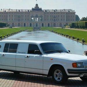 На продажу выставлена ранняя версия лимузина проекта «Кортеж» – оцените!