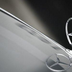 Ему 107 лет, а он водит Mercedes-Benz