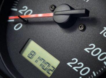 4 способа узнать, не скручен ли пробег автомобиля