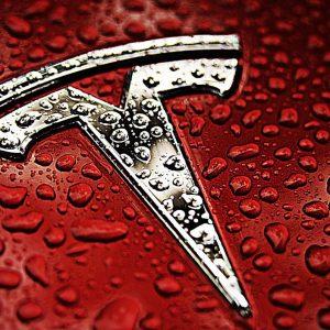 Автомобили Tesla начали диагностировать поломки и заказывать необходимые детали в сервисный центр