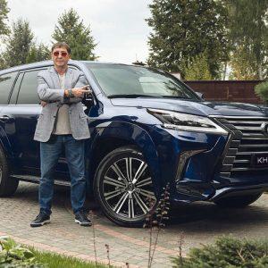 Григорий Лепс купил внедорожник за 7 млн рублей