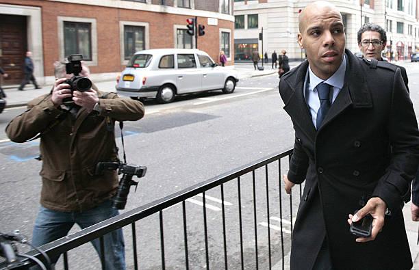 Марлон Фрэнсис Кинг (родился 26 апреля 1980 года) играл за английский футбольный клуб «Уотфорд», был лучшим бомбардиром Чемпионата Футбольной лиги и Игроком сезона, способствовавшим продвижению клуба в Премьер-лигу. По состоянию на октябрь 2009 года Кинг имел нелады с законом 14 раз. Он получал штрафы, отъемы прав, приговоры к общественным работам, распоряжения о выплате компенсации за кражи и попытку заполучить имущество путем обмана, мошенничество, вождение без страховки, вождение в пьяном виде, нанесение побоев во время игры в любительский футбол и два случая, связанные с нападением на молодых женщин.