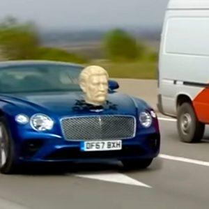 Джереми Кларксон прокатился по Грузии с гипсовой головой Сталина на капоте