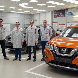 Завод Nissan в Санкт-Петербурге посетил министр ЕЭК