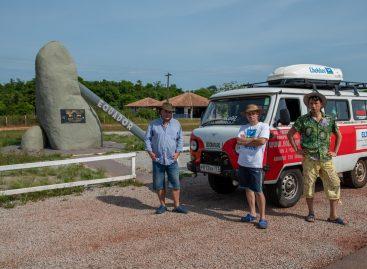 УАЗ первым среди отечественных автомобилей пересёк экватор дважды