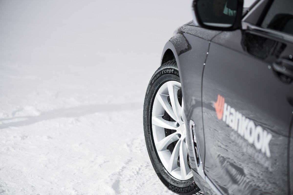 Hankook Winter i*cept evo on BMW 7 series