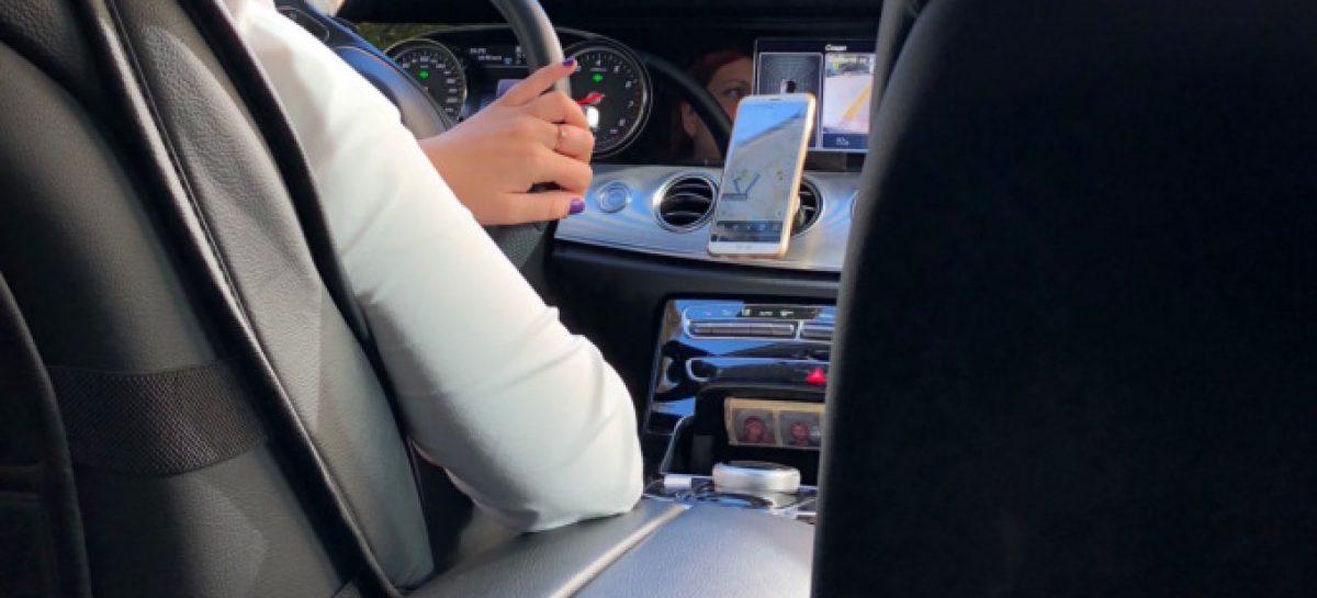 В автомобилях «Яндекс.Такси» запретили размещать иконы и чётки в салоне