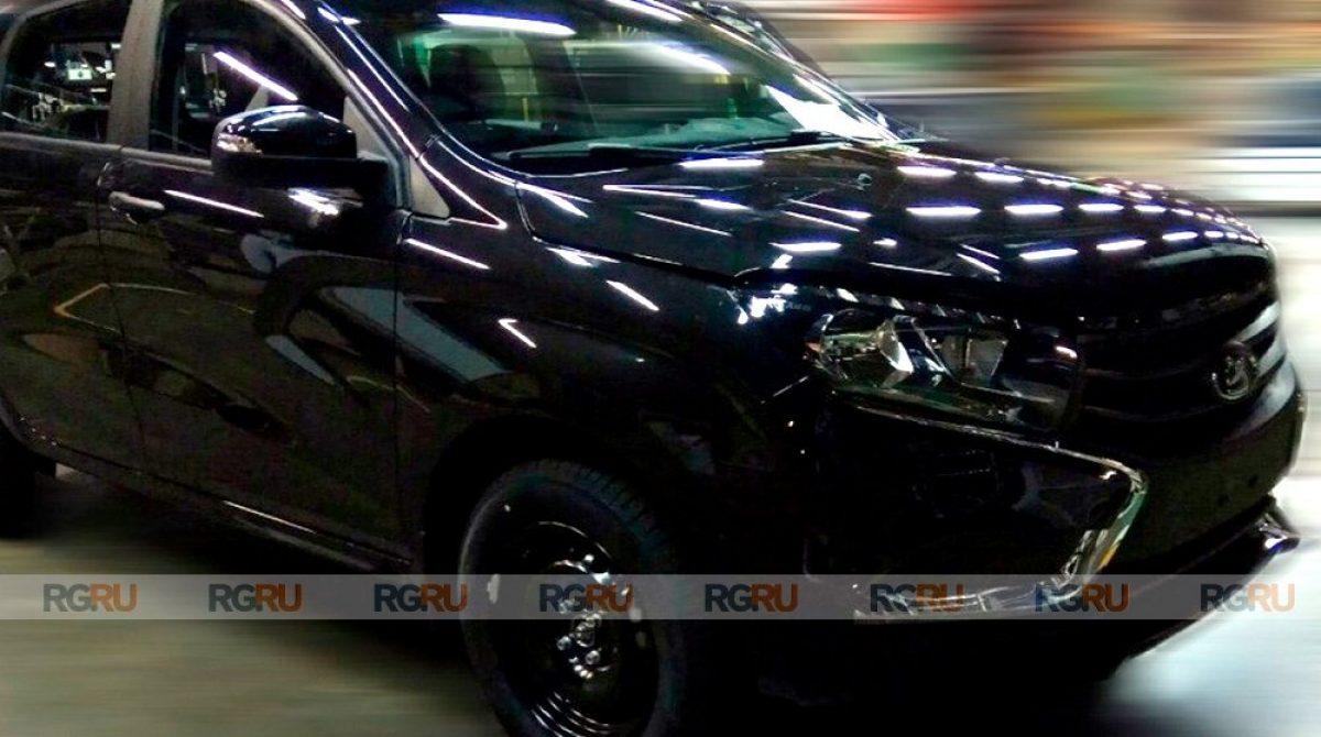 Шпионские фото самой дешевой Lada XRay