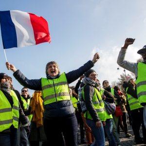 Во Франции перекрыты трассы в знак протеста против дорогого бензина
