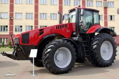 Минчане показали самый мощный трактор Беларус