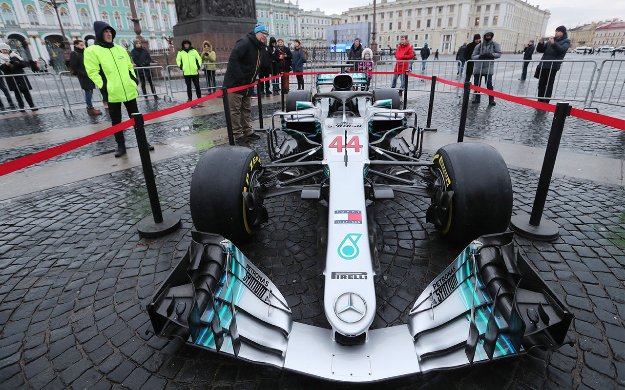 Mercedes AMG F1 W08 EQ Power+