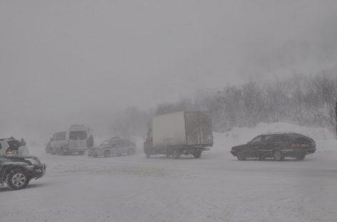 В ЮФО из-за погоды перекрыты дороги и организованы пункты обогрева водителей