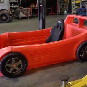 Кен Блок детскую кровать в форме Ferrari Testarossa превратил в настоящий автомобиль