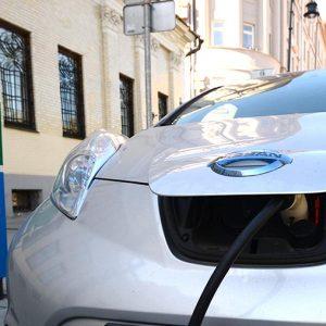О переходе на электромобили задумывается уже каждый пятый автовладелец