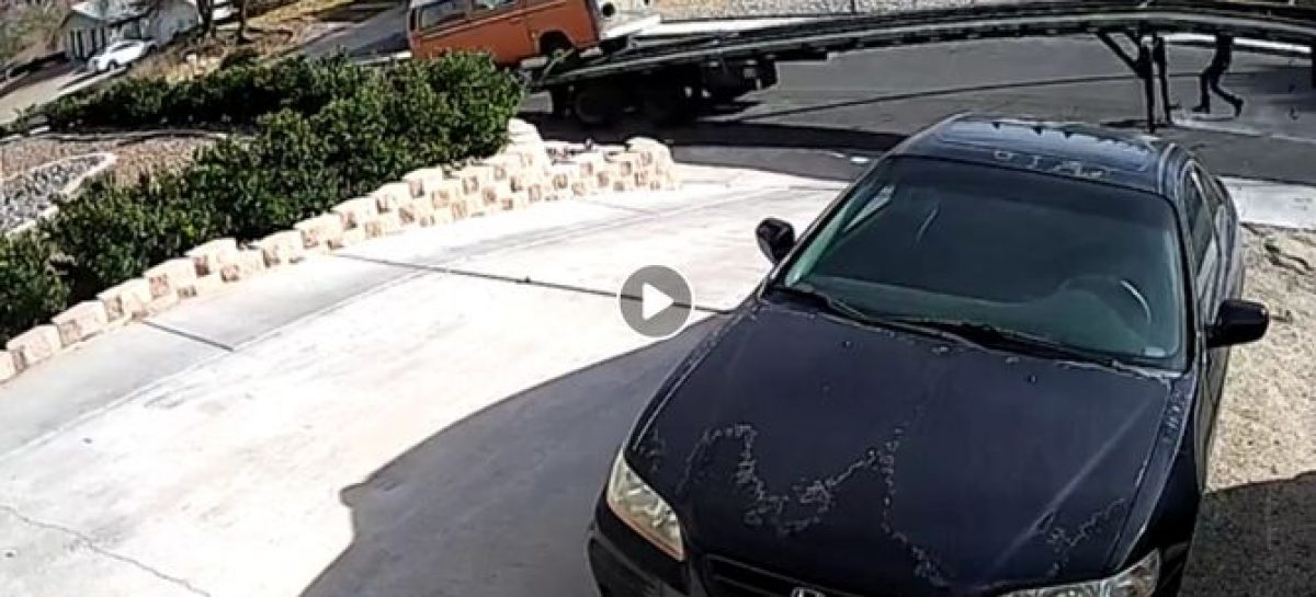 Курьезный случай с автовозом произошел в американском городке