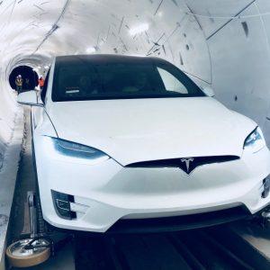 Илон Маск показал работу первого скоростного тоннеля под Лос-Анджелесом