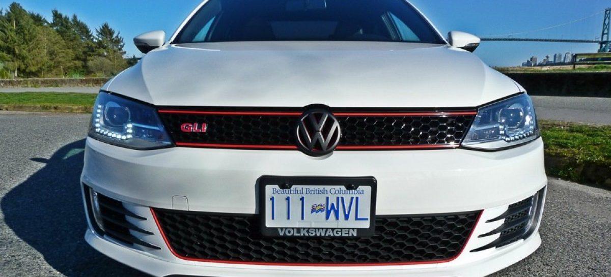 Volkswagen Jetta GLI будет представлен на автосалоне в Чикаго