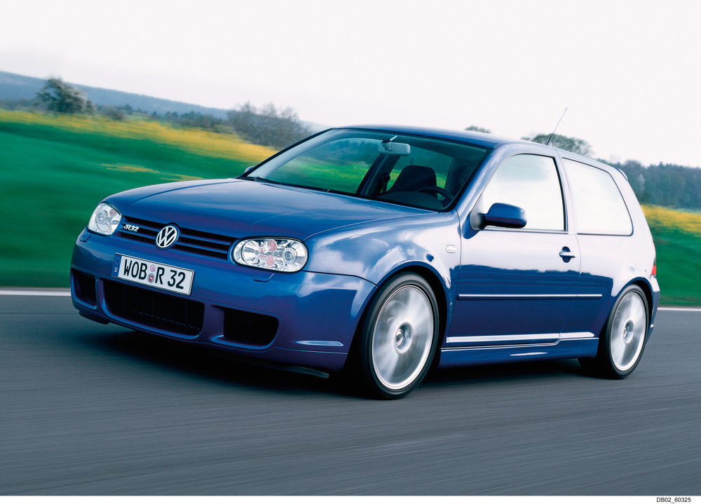 Volkswagen_Golf_R32